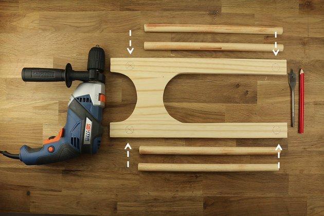 Tuto: un porte-revues rétro en bois et cuir 3