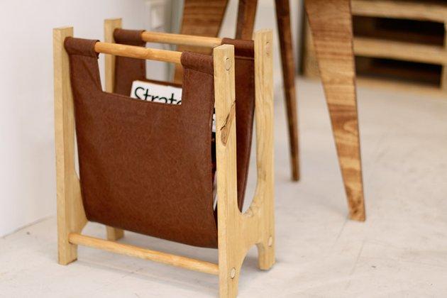 Tuto: un porte-revues rétro en bois et cuir 5