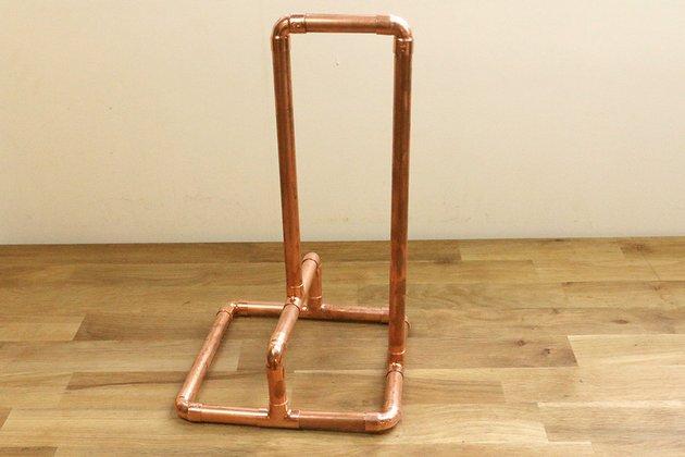 Tuto: un porte essuie-tout avec des tubes en cuivre 5