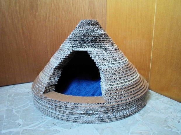 Maison en carton pour chat DIY 14