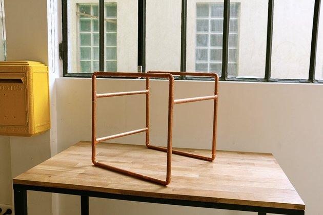 Tuto: un petit meuble en bois et tubes en cuivre 5
