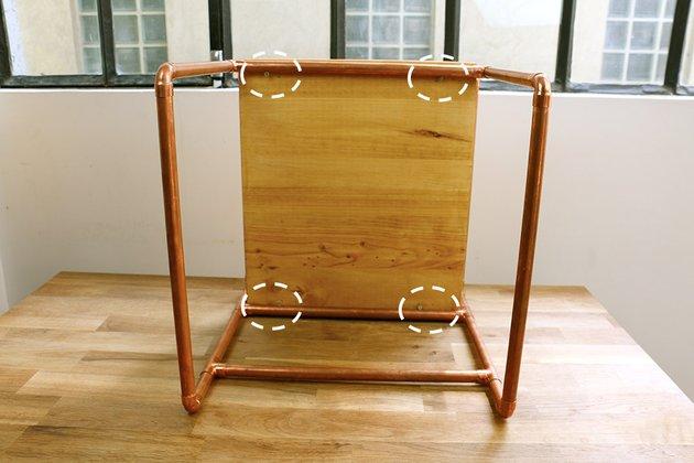 Tuto: un petit meuble en bois et tubes en cuivre 6