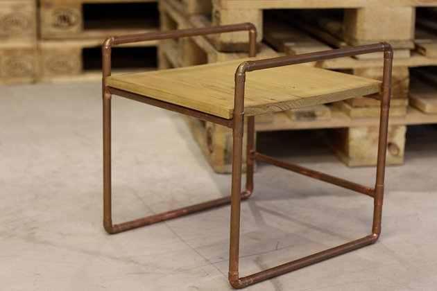 Tuto: un petit meuble en bois et tubes en cuivre 8